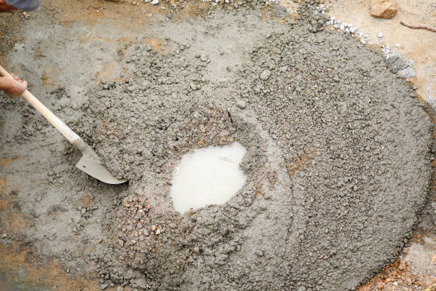 mixing of concrete with a shovel